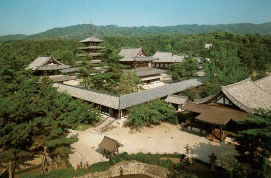 「法隆寺西院伽藍」:斑鳩町