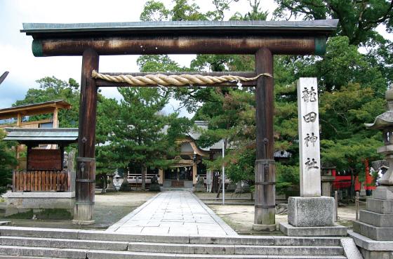 「龍田神社」:斑鳩町